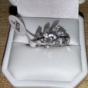 Fragrant jewels silver tone ring new